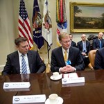 Kihátrált Trump mögül az amerikai külügyminisztérium kemény magja