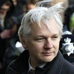 Öt év után kihallgatták a WikiLeaks alapítóját