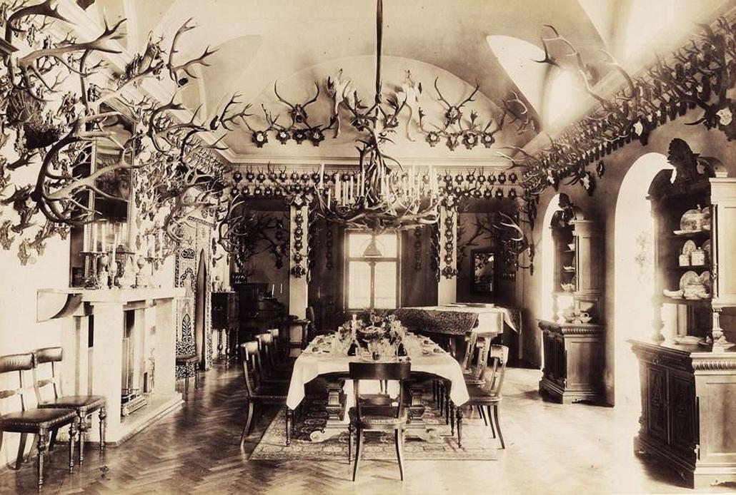 fortep_! - Klösz György kastély nagyítás - Habsburg-Lotaringiai Károly Lajos főherceg tapolcsányi kastélyának étterme. A felvétel 1895-1899 között készült.