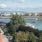 Viccből ugrott a Dunába egy férfi vasárnap a Petőfi hídról