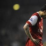 Fábregas bevallotta Xavinak: elege van a huzavonából
