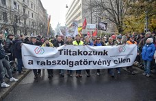 Utakat zárnak le Győrben és Pécsett, hogy tiltakozzanak a rabszolgatörvény ellen