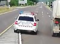 Eljárás indult a záróvonalon, majd kanyarodó sávban előző rendőr ellen