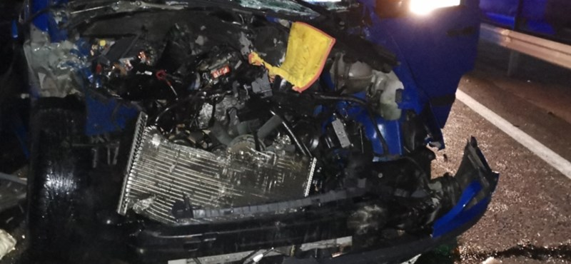 Tömegkarambol az M3-ason: Egy ember meghalt nyolc megsérült