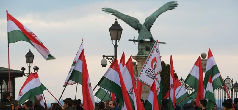 Révész: Vándorfal – avagy a Jobbik a rosszabb