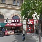 Különös cég biztonsági őre verte meg az Index újságíróját a KFC-ben