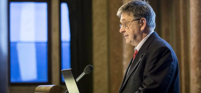 Megszólalt az akadémia elnöke az aggódó tudósok levelével kapcsolatban