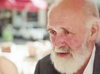 Iványi Gábor kollégiumi helyeket, ebédet és iskolát adna az SZFE-seknek