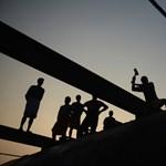 53 ezer forintért árulná el a Honvédelmi Minisztérium, mennyiért húztak fel egy pontonhidat