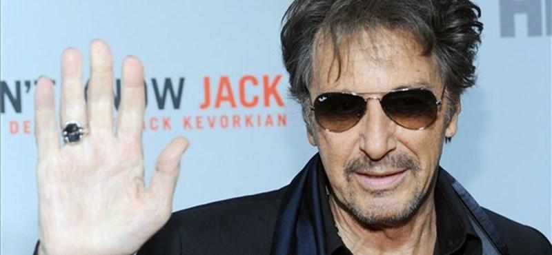 Különdíjjal ünnepelték a 71 éves Al Pacinót