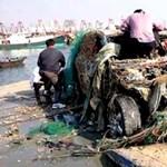 Porsche Cayenne akadt egy csapat kínai halász hálójába
