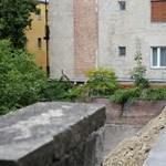 Veszélyhelyzet alakult ki a Logodi utcában a leomlott támfal miatt