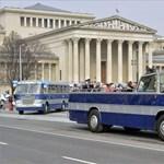 A 10-es buszról vitték el a rendőrök az álsofőrt