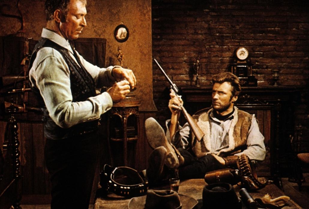 afp.1966. - Lee Van Cleef és Clint Eastwood a Néhány dollárral többért egyik jelenetében.