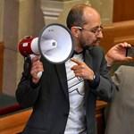A Kétfarkút is megszégyenítő válaszokat küldött az Együtt politikusa a sorosozó csepeli helyi lapnak