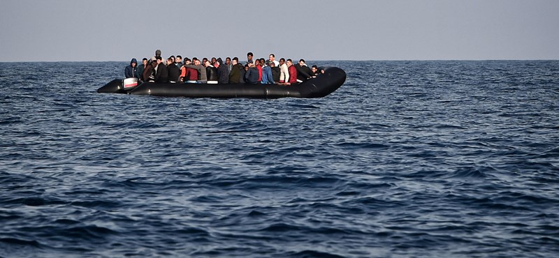 "Greek Coastguard cleared a migrant smuggling network ""width ="" 800 ""height ="" 370"