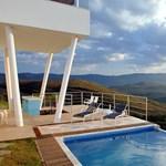 Szédítő panoráma a medencéből - lenyűgöző brazil luxusvilla