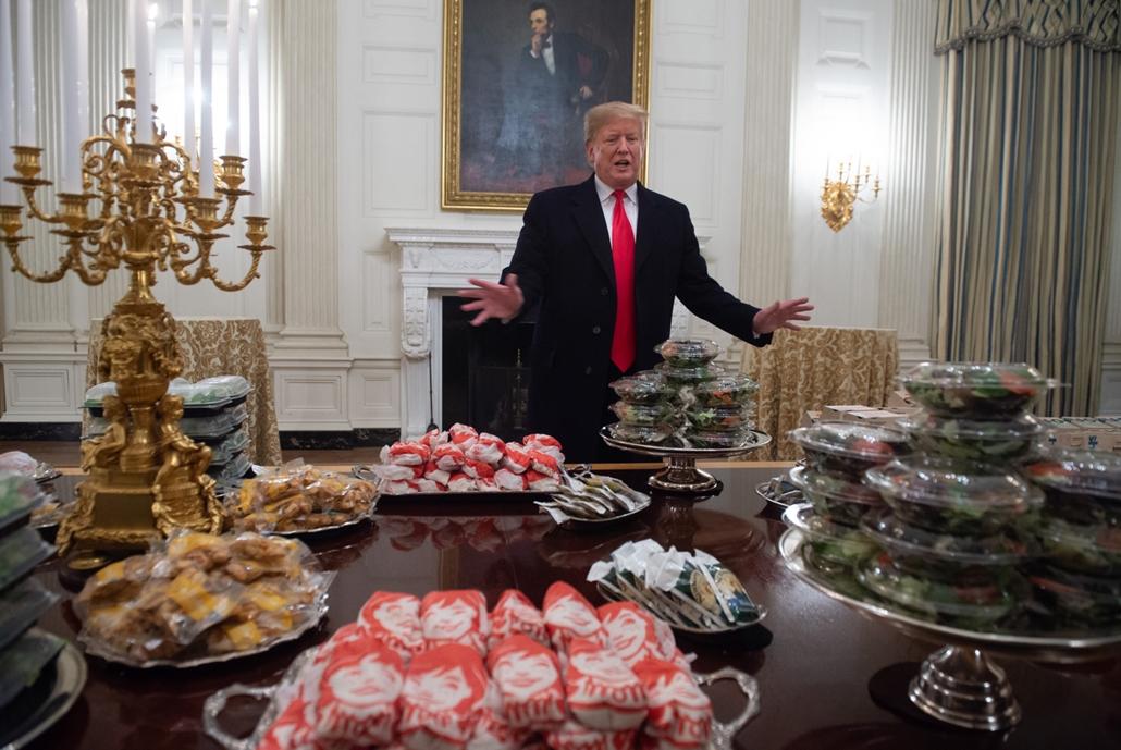 Trump nagyítás afp 2019 jnauár 14 hamburger és gyorskaja a fehér házban