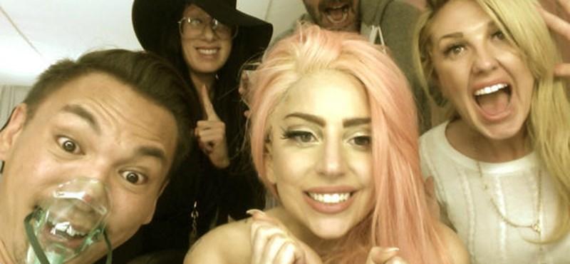 Lady Gaga így örült Obamának - fotó