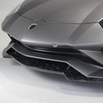 Karbontúladagolás: könnyű és 830 lóerős lett a Lamborghini Aventador