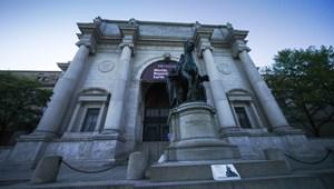 Theodore Roosevelt rasszistának kinéző szobrának is mennie kell