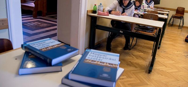 Friss infó: József Attila- és Szabó Lőrinc-verset is kell elemezni a magyarérettségin