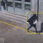 Lopott tévével a hóna alatt szállt fel egy férfi a villamosra Budapesten