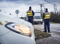 1177 autóst kaptak el, aki vezetés közben mobilozott