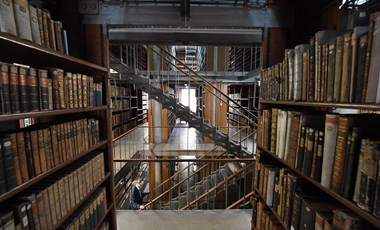 """Már elkezdték begyűjteni Hongkongban a """"felforgató"""" könyveket"""