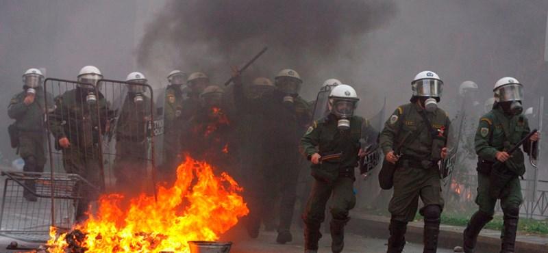 Görög válság: 20 ezer szállodai foglalást mondtak le