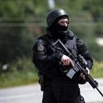 Lövöldözés volt Észak-Koszovóban - a szerb elnök teljes harckészültségbe helyezte a hadsereget
