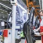 Hamarosan megint leállnak a magyar autógyárak