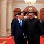 Ilyen jókedvűnek még biztosan nem látta az észak-koreai diktátort – fotók