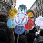 Galéria: így tüntettek Budapesten a Hoffmann-féle közoktatás ellen