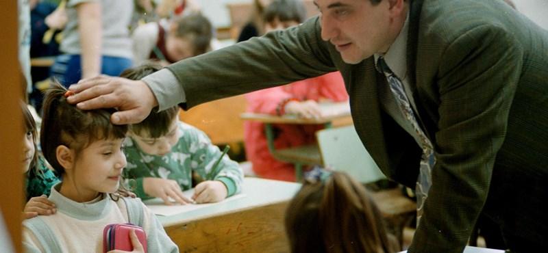 Hatalmas kirúgási hullámtól tartanak a pedagógusok