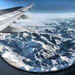 Milyen fotók születnek a repülőgép ablakából?