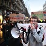 Tüntetni szabad, lógni csak a szülők segítségével lehet
