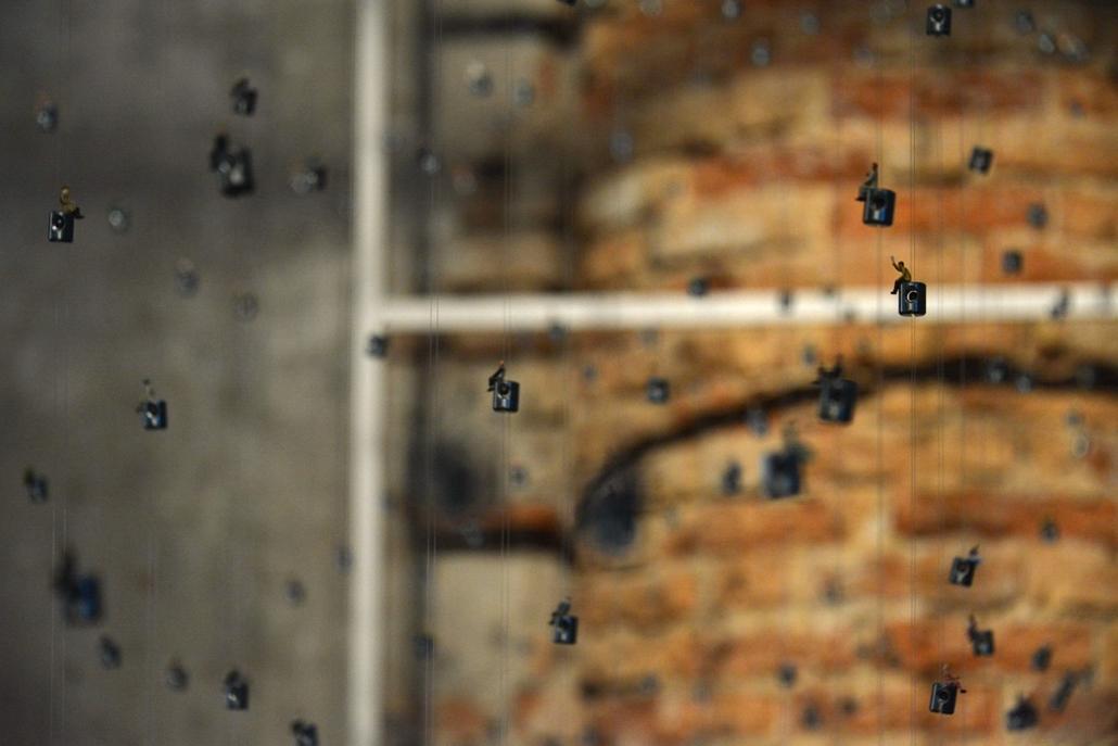 kka. Velencei Biennále 2014.06. nagyításnak - Térplasztika az Arsenaléban