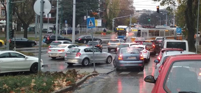 Ez Budapest egyik legnagyobb baja: három ingázóból kettő autóval jön a fővárosba