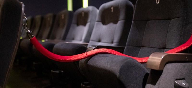 Akkor mostantól egy család egy egész sort elfoglal majd a moziban?