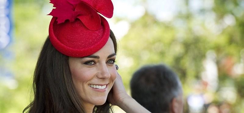 Mi a baj Katalin hercegnő arcával? - fotó