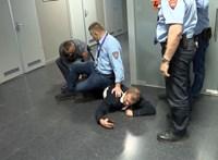 Kiderült, a rendőr semmit sem tehet, ha egy képviselőt nem engednek be az MTVA-hoz