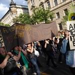 Tárki: Kiábrándultak a magyarok a demokráciából