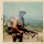Magyar származású vietnami hősről neveznek el középületet az USA-ban