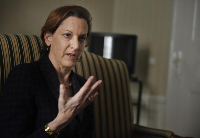 Anne Applebaum: Az európai szélsőjobb valódi célja a lopás
