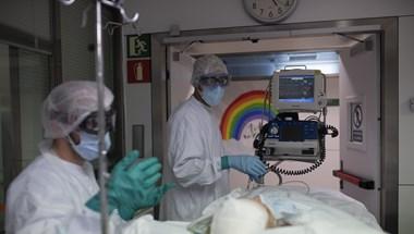 Már 499 áldozata van a járványnak Magyarországon – percről percre a koronavírusról