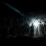 Új útvonalon indulnak el Magyarországra a migránsok