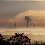 Soha nem csökkent annyit a szén-dioxid-kibocsátás, mint az év első felében