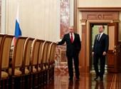 Beindult a nagy hatalmi játszma - ezért mondhatott le az orosz kormány