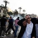 Durvulnak az utcai összecsapások Egyiptomban – Nagyítás-fotógaléria